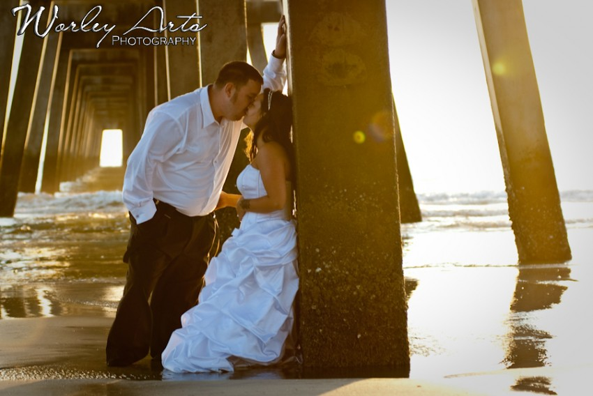 kissing under the pier